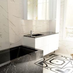 Salle de bain sur mesure en marbre